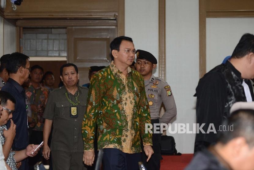 Terdakwa kasus penistaan agama Gubernur DKI Jakarta, Basuki Tjahaja Purnama menjalani sidang ke-12 di Auditorium Kementerian Pertanian, Jakarta, Selasa (28/2).