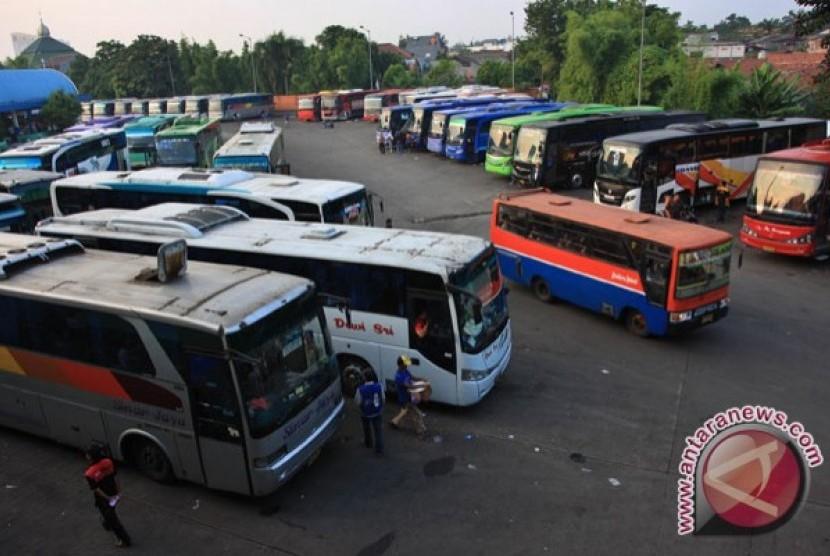 1010+ Mewarnai Gambar Mobil Angkot HD