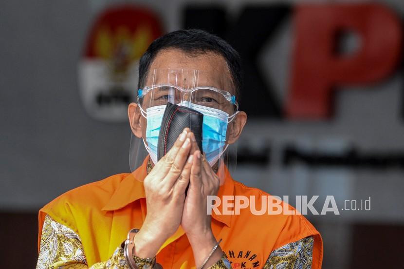Tersangka mantan Direktur Pemeriksaan dan Penagihan pada Direktorat Jenderal Pajak Kementerian Keuangan Angin Prayitno Aji