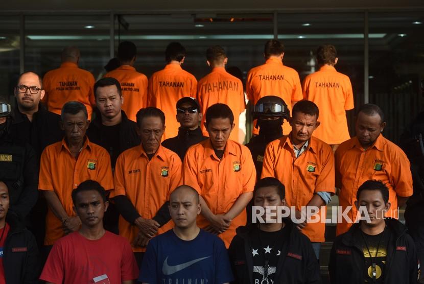 [Ilustrasi] Tersangka pelaku kericuhan dalam aksi 22 Mei ditampilkan dalam rilis di Mapolda Metro Jaya, Jakarta, Kamis (23/5/2019).
