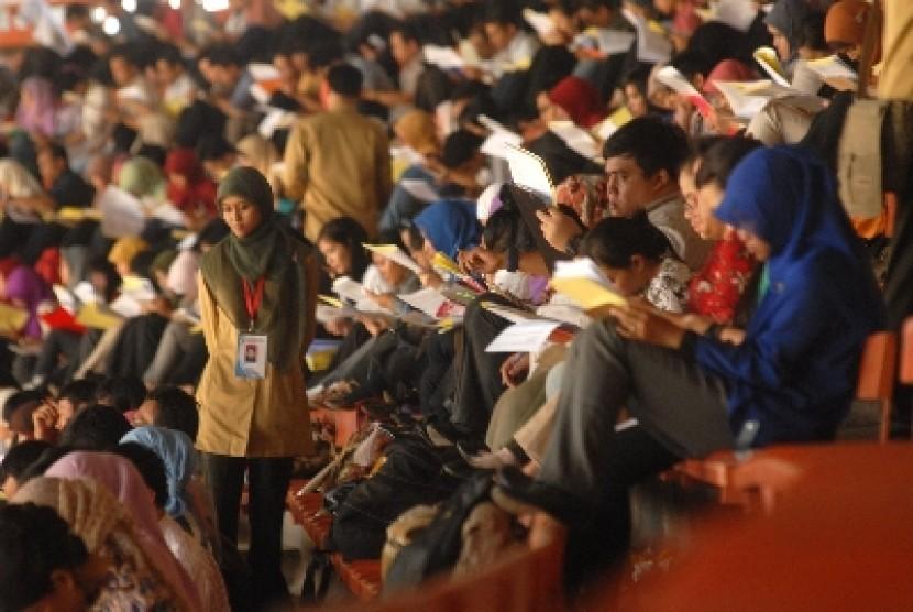 Hari Ini, Simulasi Tes CPNS Datangi Semarang | Republika ...