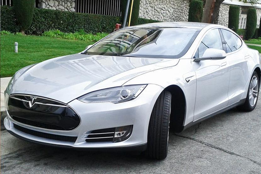Daya Jelajah Tesla Model S Ditingkatkan Republika Online
