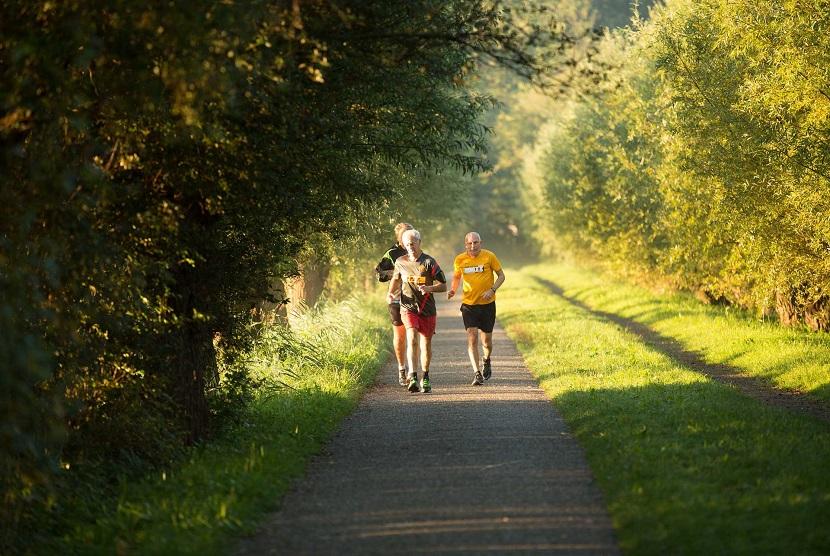 Tetap berolahraga di usia lanjut