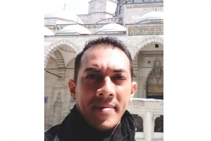 Teuku Farhan - Pengurus Forum Silaturahim Kemakmuran Masjid Serantau (FORSIMAS)