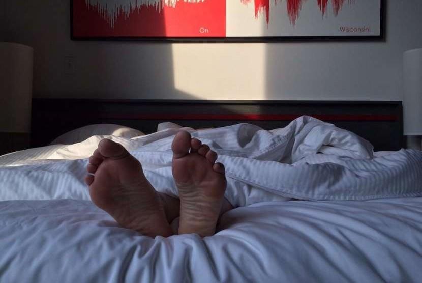 Tidur cukup merupakan kunci kesehatan mental dan fisik.