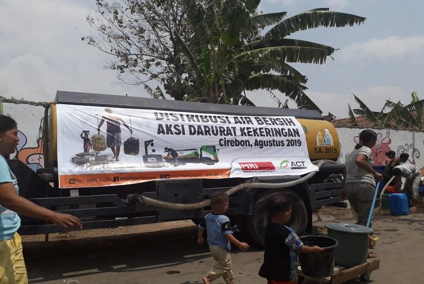 Tim Aksi Cepat Tanggap (ACT) Cirebon menyiapkan Satu Juta Liter Air Bersih Untuk Ciayumajakuning dengan diawali pemberangkatan 10 Humanity Water Tank