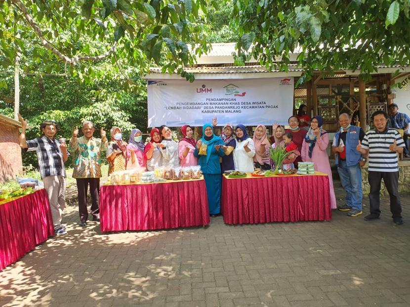 Tim dari Universitas Muhammadiyah Malang (UMM) melakukan pendampingan dan pengembangan desa wisata di Lembah Bidadari, Desa Pandanrejo, Kecamatan Pagak, Kabupaten Malang.
