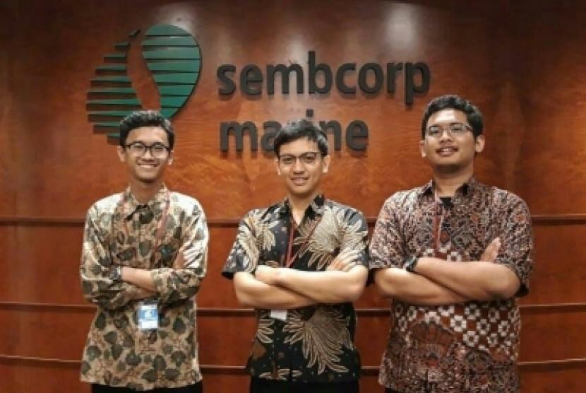 Tim Eco-Board Universitas Gadjah Mada (UGM) saat mengikuti  kompetisi Green Wave di Sembcorp Marine, Admiralty Yard, Singapura.