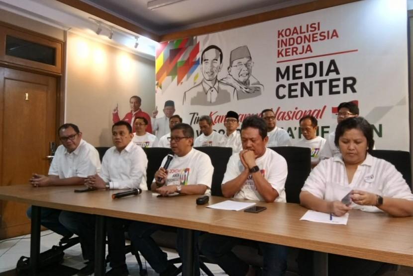 Tim Kampanye Nasional (TKN) Joko Widodo-Ma'ruf Amin merilis Rekening Dana Kampanye di Posko Cemara 19, Menteng, Jakarta Pusat, Selasa (16/10).