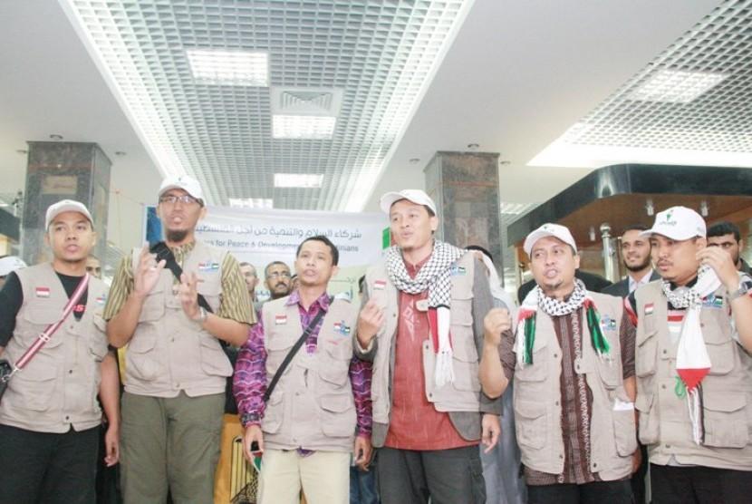 Tim Nasyid Izzatul Islam salah satu grup Nasyid di Indonesia (ilustrasi)