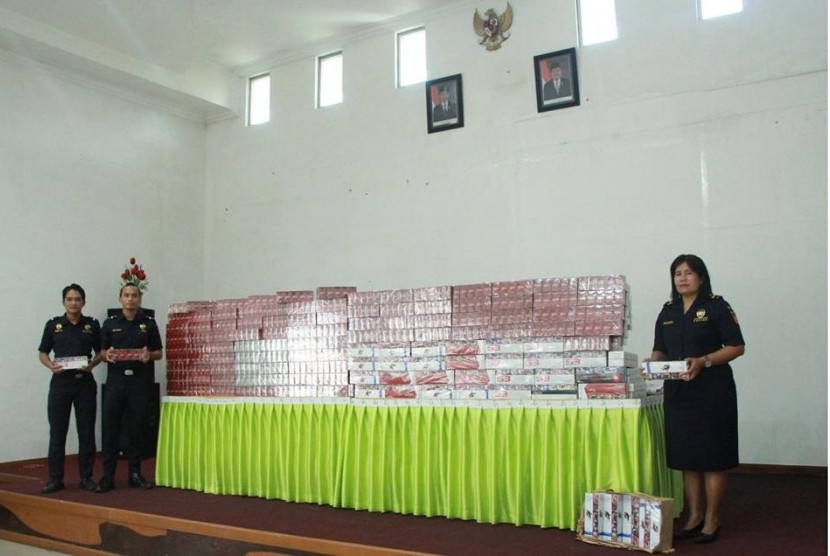 Tim operasi gabungan Kantor Wilayah Bea Cukai Sumatra Utara, Bea Cukai Teluk Nibung, dan Bea Cukai Kuala Tanjung menggagalkan penyelundupan 11.150 bungkus rokok.