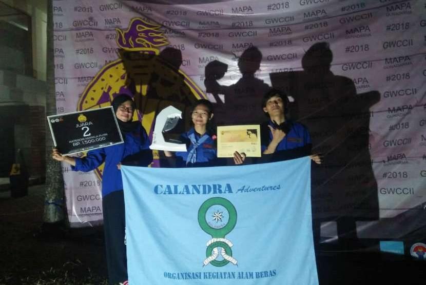 Tim Putri Calandra Adventure UBSI meraih juara kedua Gunadarma Wall Climbing Competition tingkat nasional.