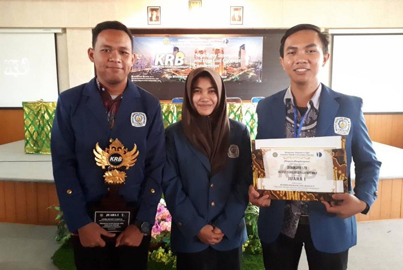Tim Senanjaya 79 Institut Teknologi Sepuluh November (ITS) Surabaya yang berhasil menjuarai Kompetisi Rancang Bangun (KRB) 2018.