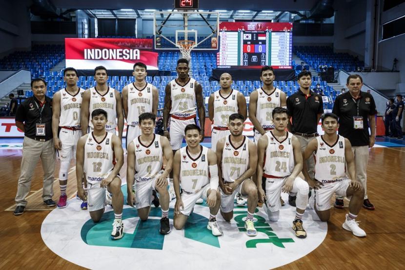Timnas basket putra Indonesia pada kualifikasi FIBA Asia Cup 2021.