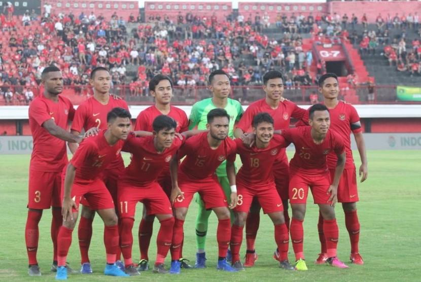 Timnas U-23 saat menghadapi Bali United.