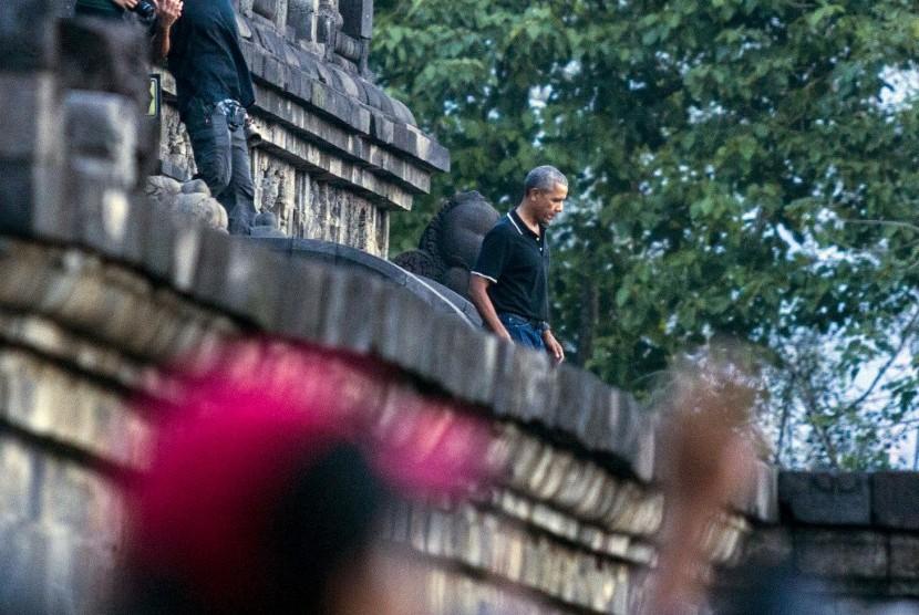 Tokoh penting sekalipun membutuhkan liburan. Seperti mantan presiden AS Barack Obama yang berlibur ke Candi Borobudur, Yogyakarta, Jawa Tengah, beberapa waktu lalu.