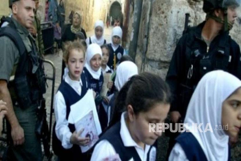 Tolak intervensi Israel, sekolah Palestina di al-Quds mogok belajar.