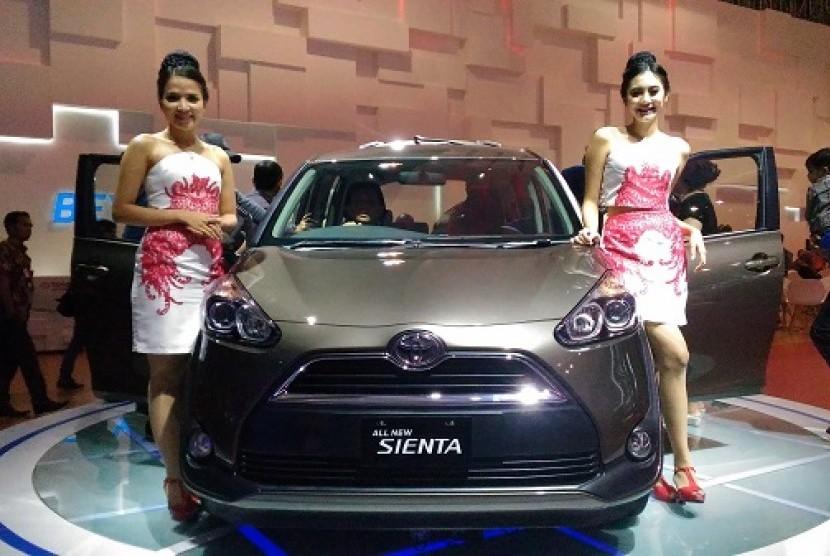 Toyota Sienta.