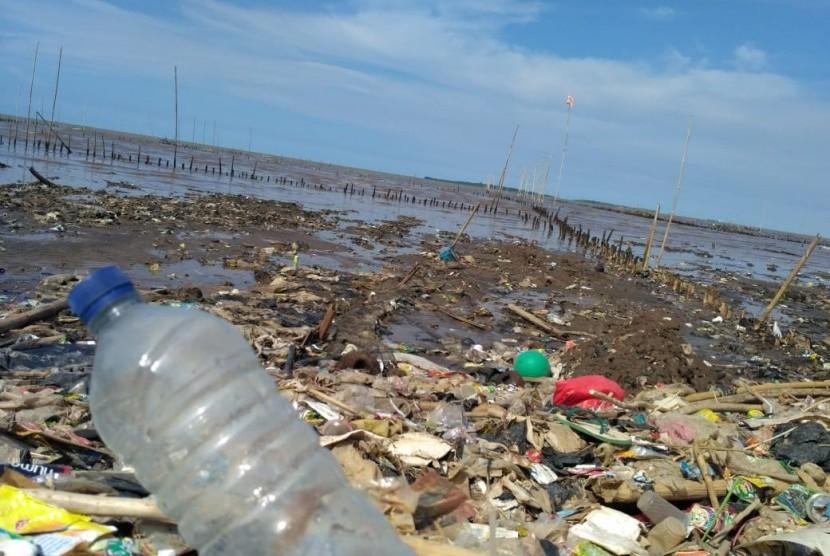 Plastic pollution in Cisadane River, Tanjung Burung, Tangerang, Banten.