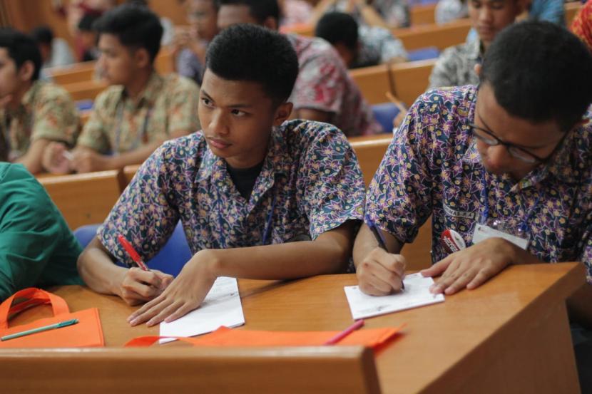 Lomba Esai Nasional, Pelajar Indonesia Beradu Tuang Gagasan
