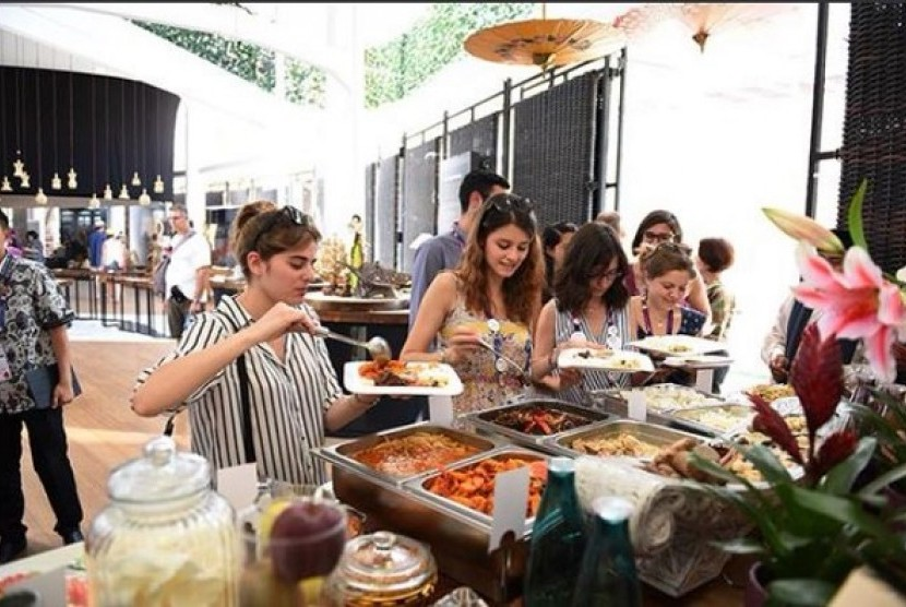 Turis asing memadati paviliun Indonesia guna mencecap makanan nusantara