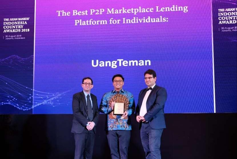 UangTeman berhasil meraih penghargaan Best P2P Lending Platform for Individuals dari The Asian Banker dalam ajang Indonesia Country Awards Programme 2018