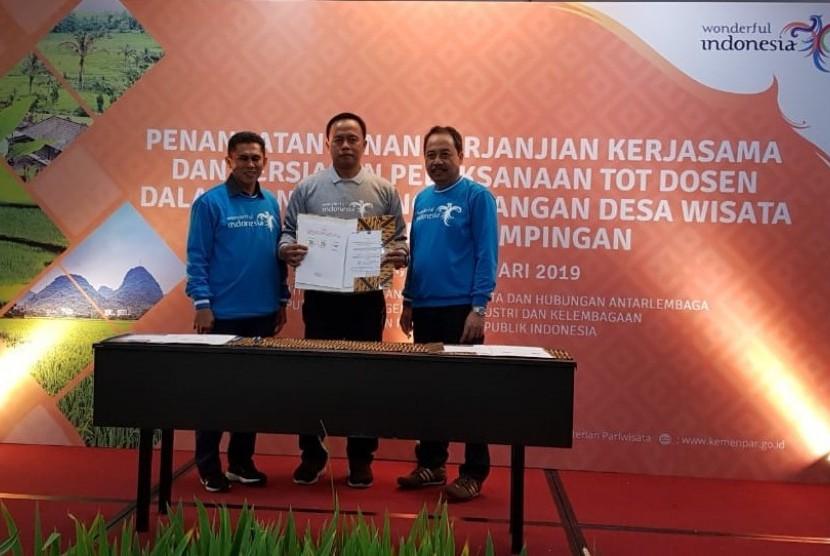 UBSI bekerja sama dengan Kementerian Pariwisata.