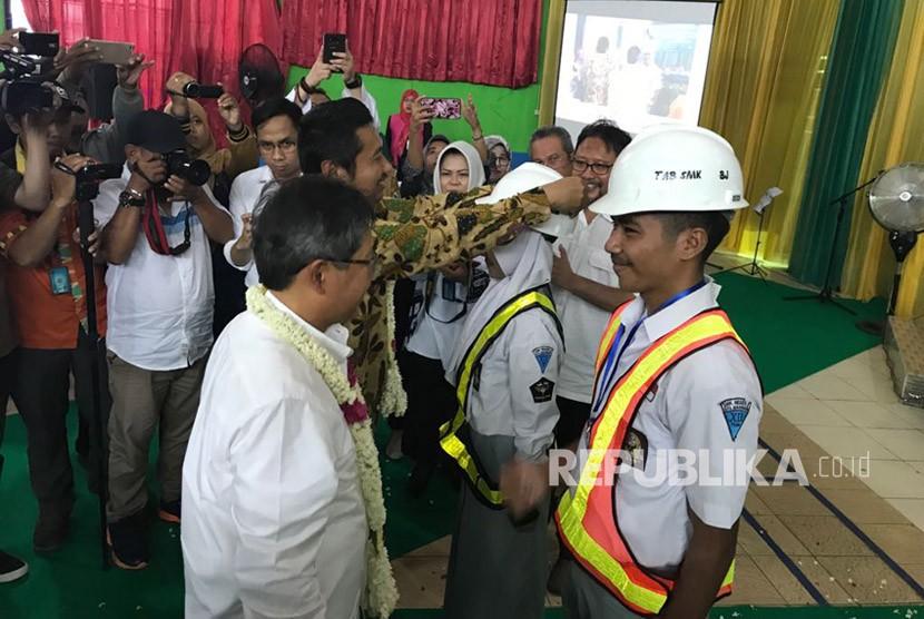 Uji Kompetensi Keahlian (UKK) dan Sertifikasi Siswa SMK Bidang Konstruksi di SMK Negeri 5 Banjarmasin, Kalimantan Selatan, Selasa (13/3).