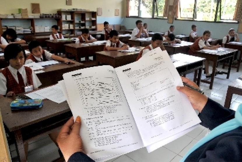 Ujian Nasional SD (ilustrasi).