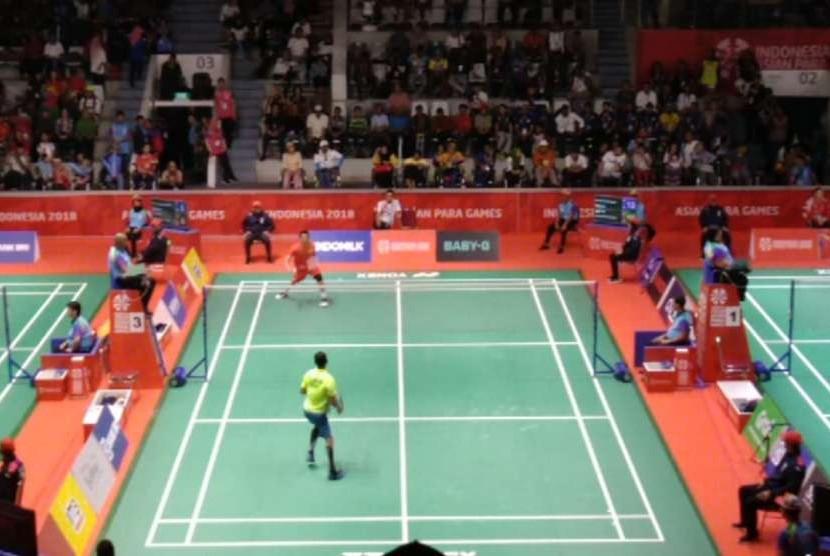 Ukun Rukaendi menang dua game atas Manoj Sarkar di pertandingan Tunggal Putra Kategori SL3. Jumat (12/10).