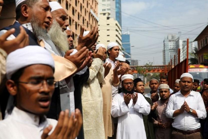 Umat Islam di Bangladesh berdoa untuk para korban serangan teror Christchurch.