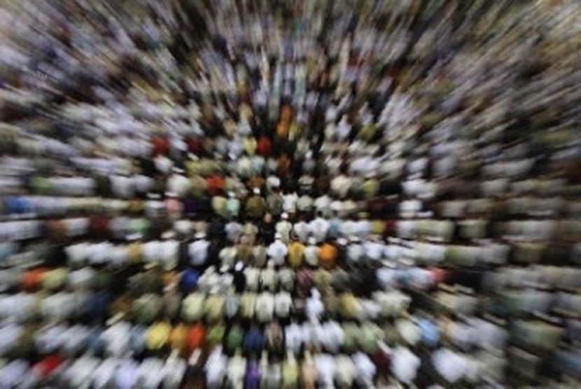 Umat Islam melaksanakan shalat (ilustrasi).