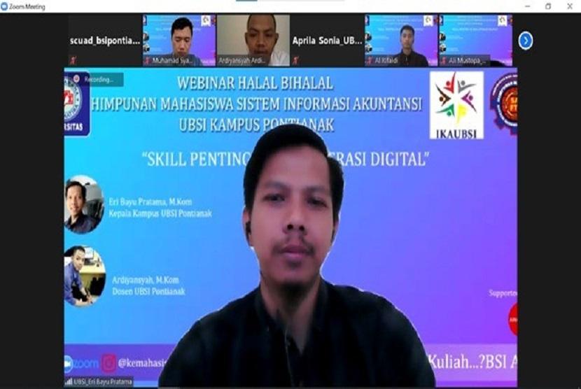 Universitas BSI (Bina Sarana Informatika) Kampus Pontianak bekerja sama dengan Himpunan Mahasiswa Sistem Informasi Akuntansi (Himasa) Kampus Pontianak dan Ikatan Alumni Universitas BSI (Ikaubsi) langsungkan halal bihalal.