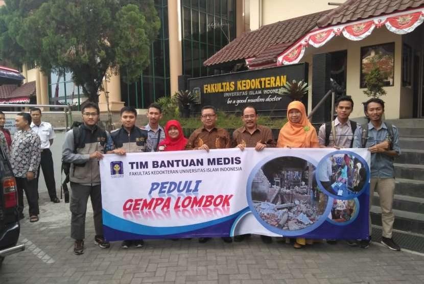 Universitas Islam Indonesia (UII) Peduli mengirimkan relawan-relawan medis ke Lombok Utara, Selasa (7/8).  Ini jadi keberangkatan pertama, dan akan dilanjut keberangkatan dokter-dokter spesialis pekan depan.