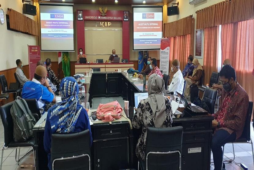 Universitas Muhammadiyah Malang (UMM) berupaya meningkatkan kualitasnya melalui audit mutu internal bagi seluruh prodi dan Unit Pengelola Program Studi (UPPS). Kegiatan ini dilaksanakan sejak 7 hingga 26 Mei 2021, bergantian di tiap UPPS.