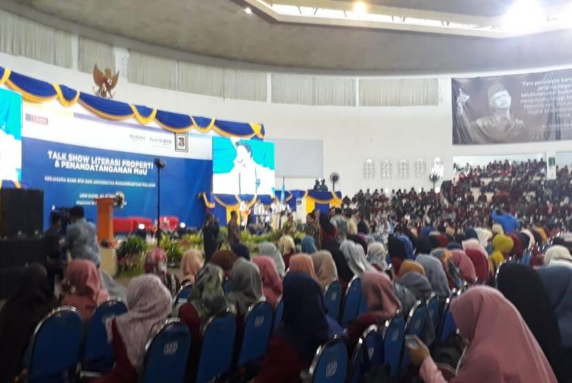 Universitas Muhammadiyah Malang (UMM) dan BTN mengadakan kegiatan talkshow sekaligus penandatanganan kerjasama di Hall Dome UMM, Malang, Selasa (5/3).