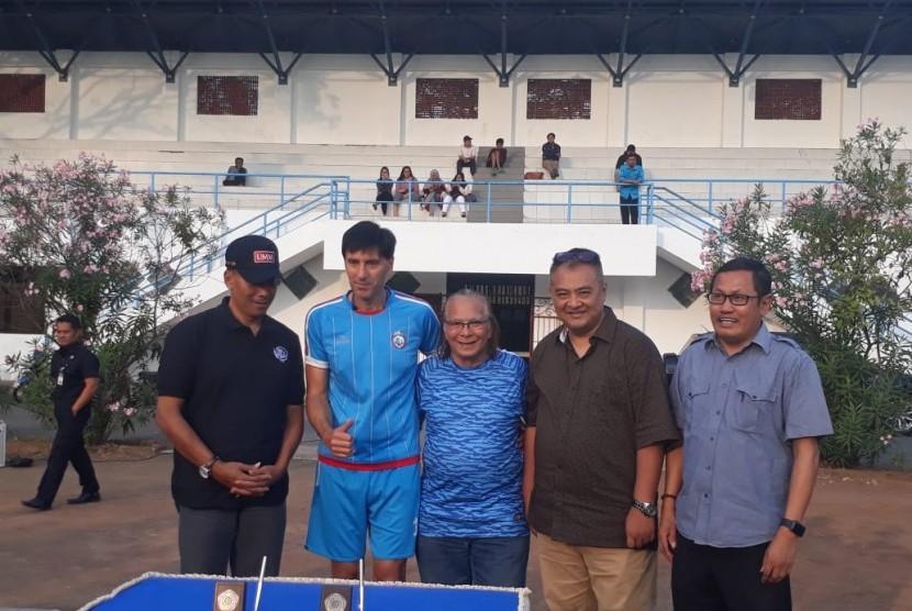 Universitas Muhammadiyah Malang (UMM) dan manajemen Arema FC resmi melakukan penandatanganan MoU di Stadion UMM Malang, Jumat (13/7).