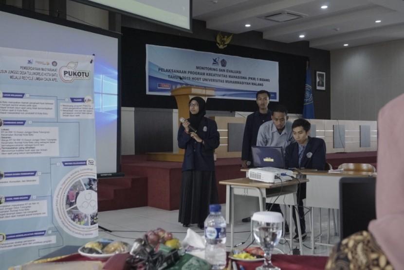 Universitas Muhammadiyah Malang (UMM) menjadi tuan rumah dalam pelaksanaan monitoring dan evaluasi (monev) Program Kreativitas Mahasiswa (PKM) 5 Bidang tahun 2019.