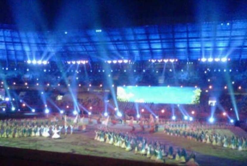 Upacara dan pesta pembukaan Pekan Olahraga Nasional (PON) di Riau yang dibuka oleh Presiden Susilo Bambang Yudhoyono, Selasa (11/9).