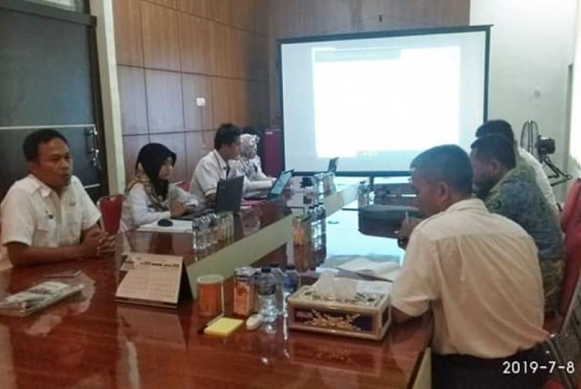 Usai menyimak dengan cermat pidato Visi Indonesia Presiden Jokowi, Bupati Muba pun ambil langkah cepat. Dalam rapat singkat, Dodi Reza Alex, Sang Bupati menginstruksikan kepada kepala Perangkat Daerah  (PD) agar merespons, menyinkronkan program Muba serta tegak lurus ke atas.
