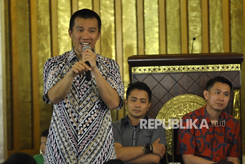 Ustadz Felix Siauw, memberikan ceramah saat acara Silaturahmi Mualaf Se-Bandung Raya di Masjid TSM, Jalan Gatot Subroto, Kota Bandung.