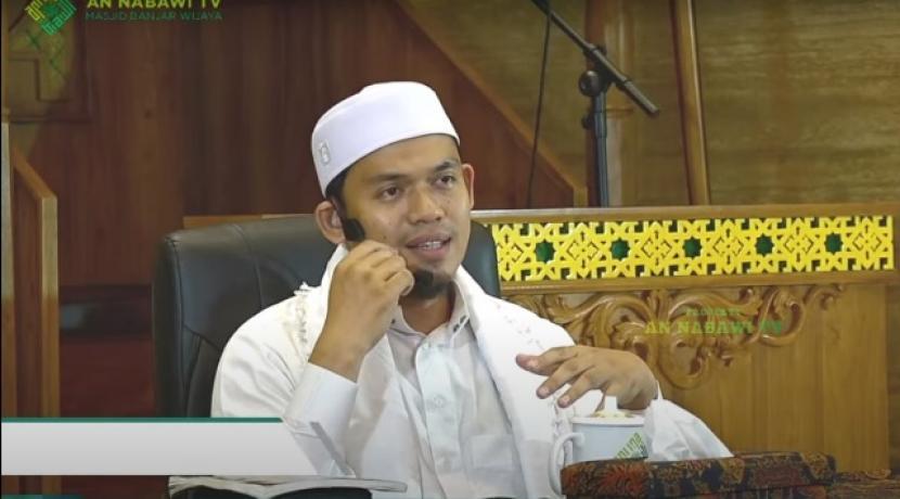 Ustadz Arrazy Hasyim menekankan pentingnya keilmuan mapan berinteraksi dengan hadits