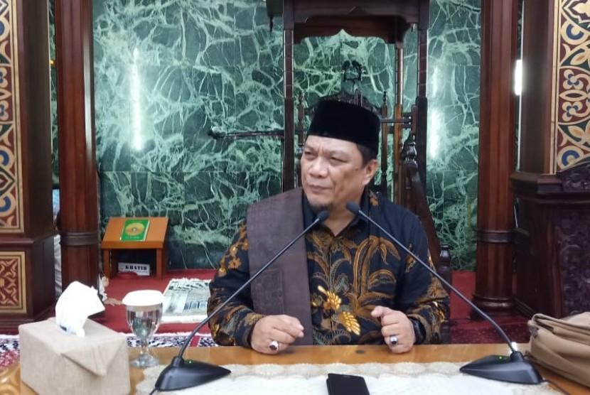 Ustaz Yahya Waloni mengisi silaturahim sekaligus tarhib Ramadhan yang diadakan oleh Paguyuban Mualaf Masjid Agung Sunda Kelapa.