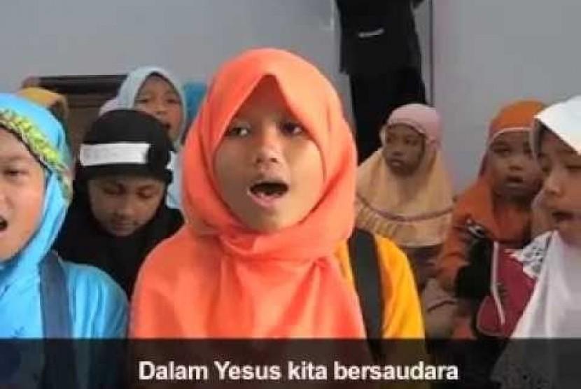 Video berjudul 'Kristenisasi Muslim di Kelud' beredar di dunia maya