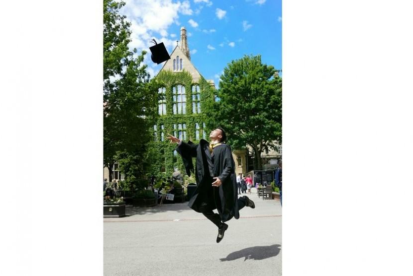 Vidi Aldiano meluapkan kegembiraanya lulus S2 di University of Manchester, Inggris