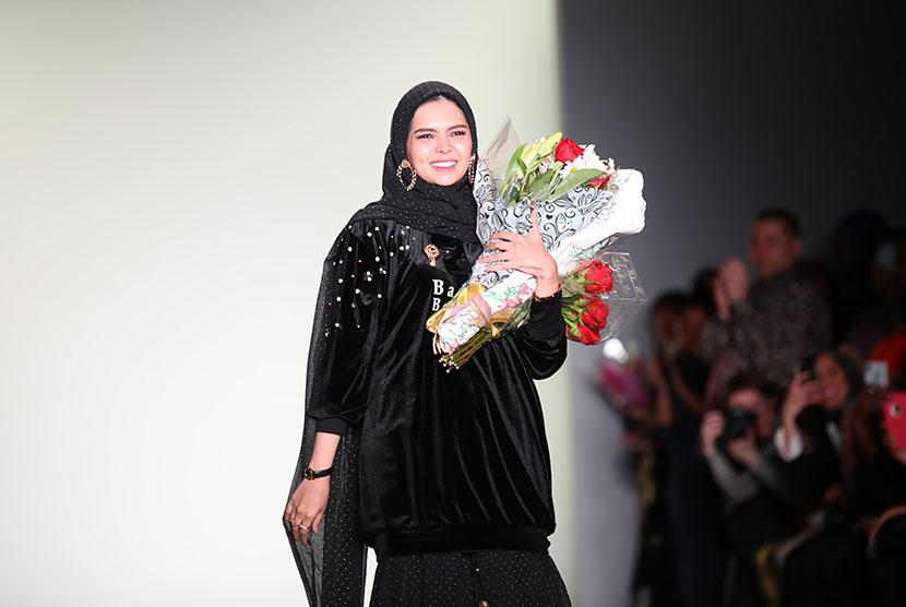 Desainer Vivi Zubedi memperluas pasar ekspor dengan mengusung kampanye #StrengthenLocalModest.