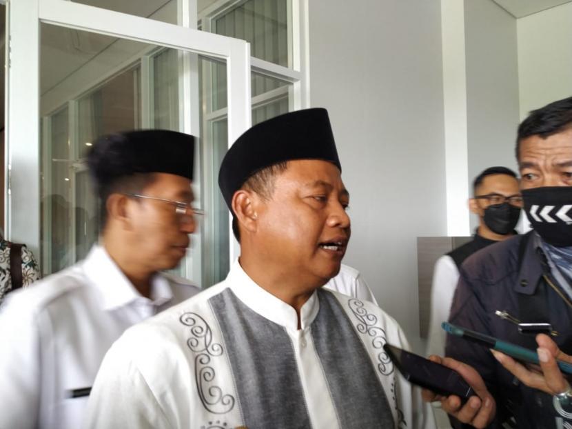 Wagub Jabar Uu Ruzhanul Ulum saat diwawancara di Kota Tasikmalaya, Rabu (19/5).