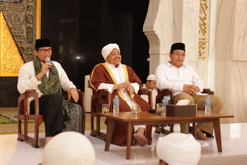 Wakil Gubernur DKI Jakarta Terpilih Sandiaga Salahuddin Uno bersilaturahim dengan Tarekat Idrisiyyah, Pagendingan Tasikmalaya, Senin (09/10).