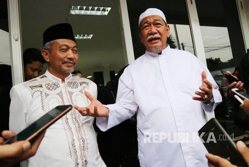 Wakil Gubernur Jabart yang juga calon Gubernur Jabar, Deddy Mizwar (kanan) dan Ketua DPW PKS Jabar Ahmad Syaikhu.