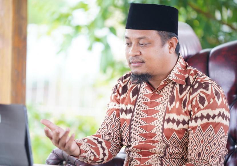 Andi Sudirman Sulaiman.